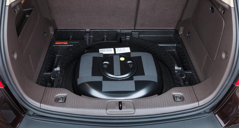 Der Autogastank wird beim Opel Mokka in der Radmulde verbaut