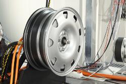 Kompaktes Design - Radnabenantrieb Schaeffler eWheelDrive