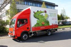 Bruneau ist mit einem Renault Elektro LKW unterwegs