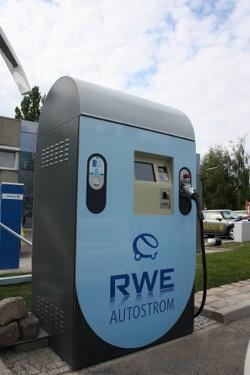 RWE Autostrom: Schnelles Laden an der Combi-Station