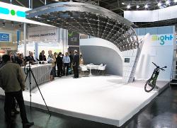 Solarladestation von eight - Futuristisches Design