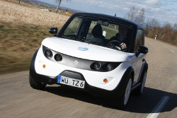 Flatrate-Fahren: smiles AG bietet den Tazzari ZERO jetzt auch im Rundum-Sorglos-Paket an.