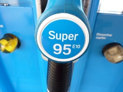 Der Biokraftstoff E10 wird von den Verbrauchern weiterhin nicht akzeptiert.